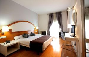 Hotel Don Jaime 54, Hotely  Zaragoza - big - 8