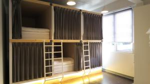 Capsule in 6-Bed Mixed Dormitory Room