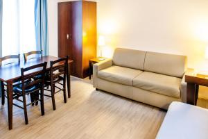 Appart'hôtel Saint Jean, Apartmanhotelek  Lourdes - big - 21