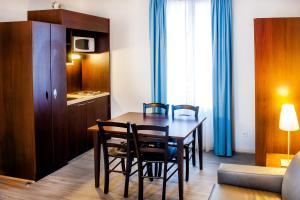 Appart'hôtel Saint Jean, Apartmanhotelek  Lourdes - big - 15