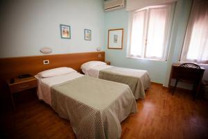 Hotel Daisy, Hotely  Marina di Massa - big - 93