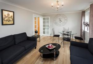 Two Bedroom Apartment - Holyrood