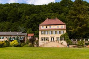 Herrenhaus Orangella