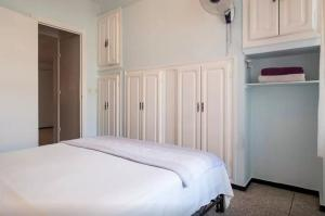Spacious 3 Bedroom Downtown Flat, Apartments  Rabat - big - 5