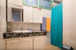 Spacious 3 Bedroom Downtown Flat, Apartments  Rabat - big - 13