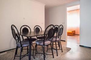 Spacious 3 Bedroom Downtown Flat, Apartments  Rabat - big - 16