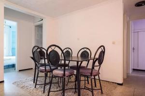 Spacious 3 Bedroom Downtown Flat, Apartments  Rabat - big - 17