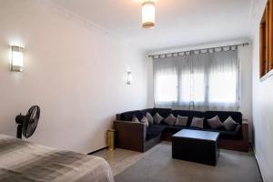 Spacious 3 Bedroom Downtown Flat, Apartments  Rabat - big - 21