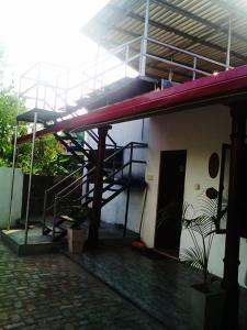 Гостевой дом Chathu Family Rest, Анурадхапура