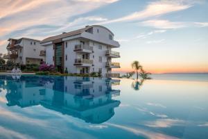 Sunset Beach Vip 2 Residences, Apartmanok  Alanya - big - 1