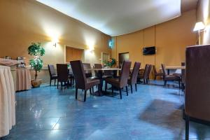 Hotel Pod Grotem, Hotels  Warsaw - big - 32