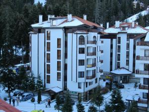 Borovets Holiday Apartments - Different Locations in Borovets, Apartments  Borovets - big - 172