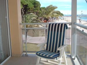 Pineda Beach, Ferienwohnungen  La Pineda - big - 4