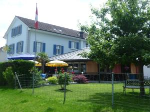 Hotel Speiserestaurant Bahnhof, Hotely  Güttingen - big - 75