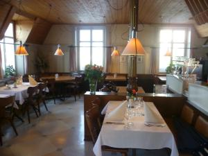 Hotel Speiserestaurant Bahnhof, Hotely  Güttingen - big - 70
