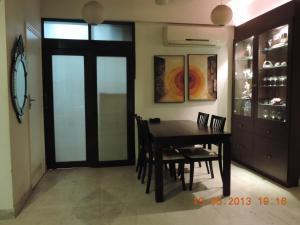 Emerald Mayfair, Ferienwohnungen  Kalkutta - big - 9