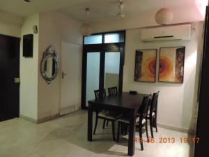 Emerald Mayfair, Ferienwohnungen  Kalkutta - big - 10