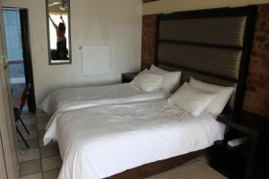 Timosha Guest House, Pensionen  Kempton Park - big - 3