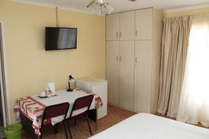 Timosha Guest House, Pensionen  Kempton Park - big - 10