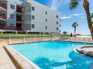 #227 At Surf Song Resort, Apartmány  St Pete Beach - big - 8