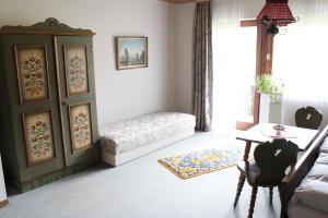 Haus Klumpp, Apartmány  Baiersbronn - big - 18