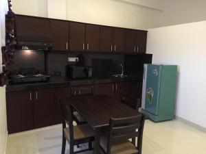 Nanda Court Apartments