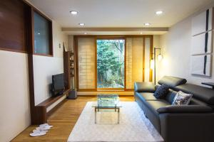 Hanso Presidential Suite Hanok Hotel, Aparthotely  Soul - big - 59