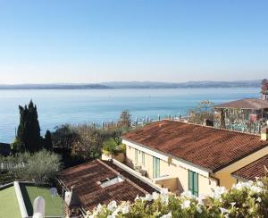 Appartamento Fronte Lago - AbcAlberghi.com