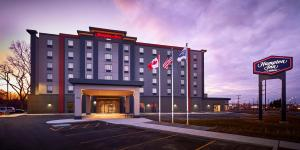 Hampton Inn by Hilton Sarnia/Point Edward, Szállodák  Point Edward - big - 1