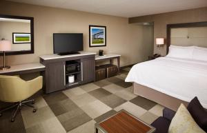 Hampton Inn by Hilton Sarnia/Point Edward, Szállodák  Point Edward - big - 18