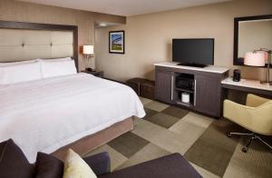 Hampton Inn by Hilton Sarnia/Point Edward, Szállodák  Point Edward - big - 19