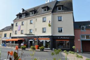 Logis Hôtel.com Restaurant l'Ardoise, Szállodák  Bédée - big - 1