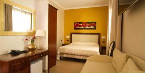 Hotel Flora, Отели  Ното - big - 26