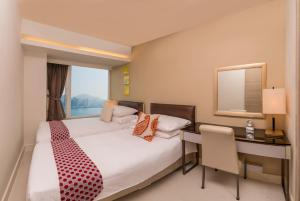 Two-Bedroom Quad Suite with Harbour View