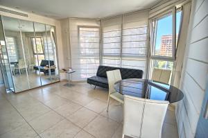 Valencia Beach Apartments, Apartments  Valencia - big - 6