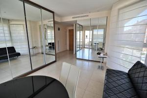 Valencia Beach Apartments, Apartments  Valencia - big - 9