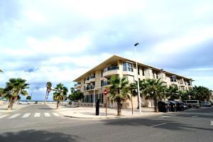 Valencia Beach Apartments, Apartments  Valencia - big - 18