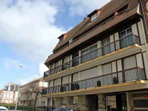Apartment Les Cigognes, Apartmanok  Deauville - big - 2