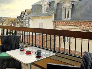 Apartment Les Cigognes, Ferienwohnungen  Deauville - big - 7