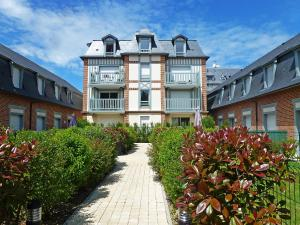 Holiday Home Villa Morny.1, Holiday homes  Deauville - big - 2