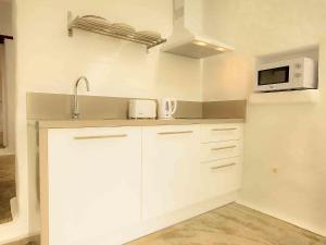 Apartment La Casa de las Salinas, Apartmanok  Arrieta - big - 11