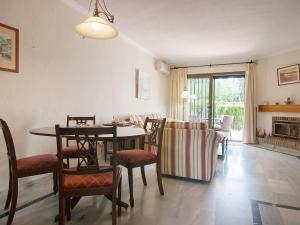 Apartment Jardines de Las Chapas, Apartmanok  Marbella - big - 16