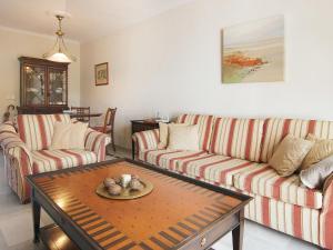 Apartment Jardines de Las Chapas, Apartmanok  Marbella - big - 14