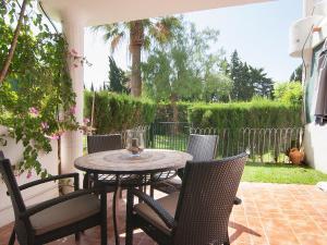Apartment Jardines de Las Chapas, Apartmanok  Marbella - big - 13