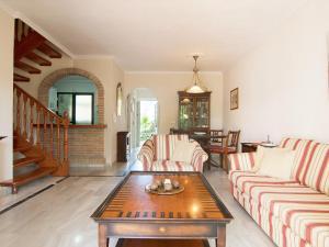 Apartment Jardines de Las Chapas, Apartmanok  Marbella - big - 12