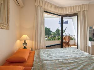 Apartment Jardines de Las Chapas, Apartmanok  Marbella - big - 11