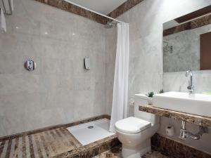 Apartment in Estepona, frontbeach apartment, Appartamenti  Estepona - big - 8