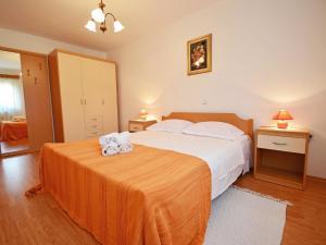 Holiday Home Lorena, Ferienhäuser  Tinjan - big - 20