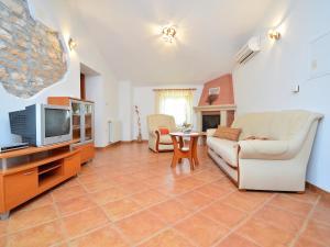Holiday Home Lorena, Case vacanze  Tinjan - big - 13