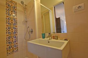 Residenza San Teodoro, Apartmanok  Róma - big - 29
